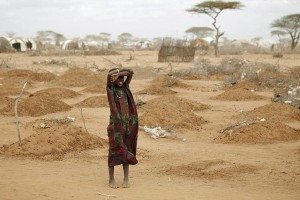2011Oxfam_mass_grave_for_children_in_Dadaabx